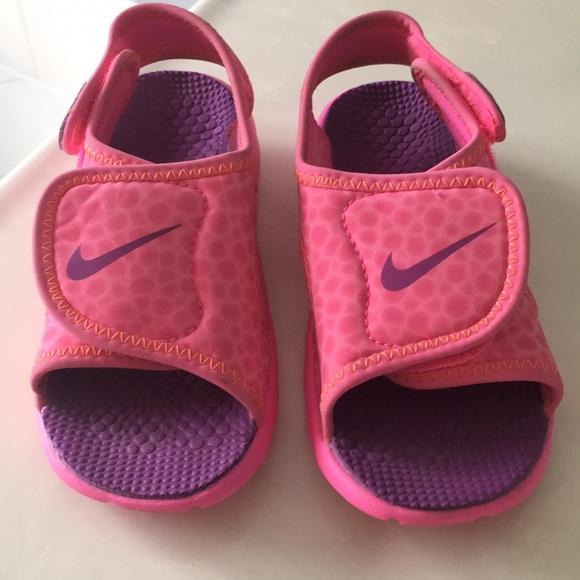db9e6fb4d51c ... new zealand girls pink and purple nike sandals size 3.5 cfa0d ebf8e ...